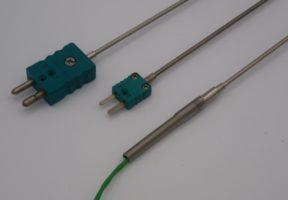 Thermocouple chemisé et thermocouple sous tube