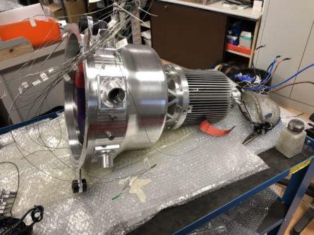 Photo d'implémentation de capteurs sur pièce client (turbo réacteur)