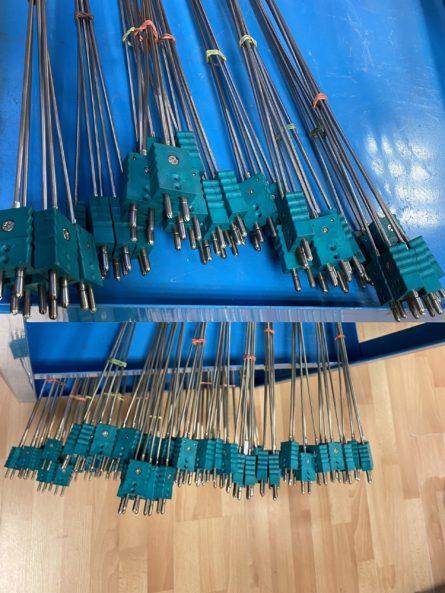 Photo de capteurs de temperature thermocouple type K avec connecteur standard grande longueur