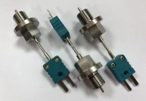 Thermocouple with threaded connection